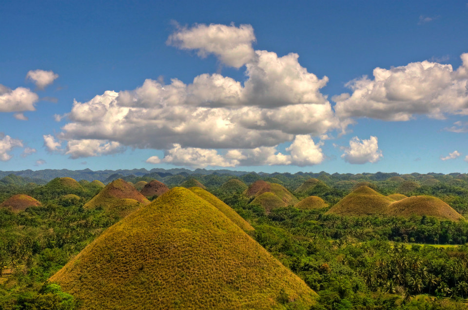 CHOCOLATE-HILLS-SMARTTRAVEL-BG
