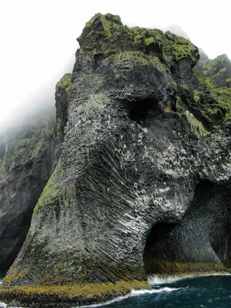 STONE-MAMMOTH-ICELAND-SMARTTRAVEL-BG.jpg-large