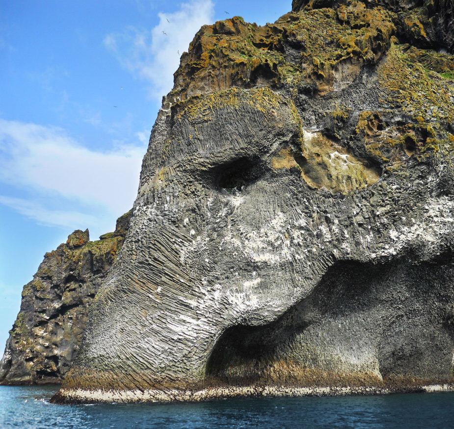 STONE-MAMMOTH1-ICELAND-SMARTTRAVEL-BG.jpg-large