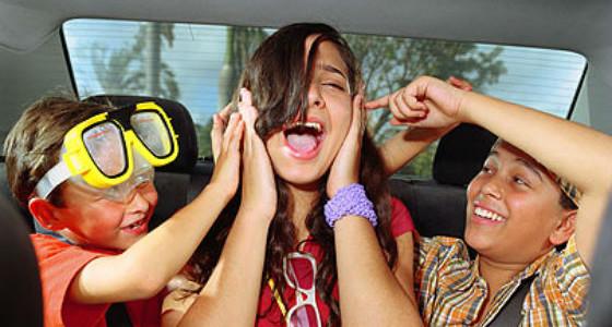 Как да оцелеем при  пътуване в кола с деца или 10 игри и хитрини, които правят семейното пътуване забавно